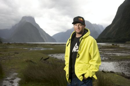 Shane McConkey's height is 5 feet 10 inches.