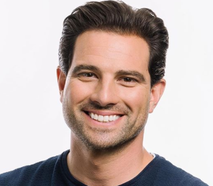 Scott McGillivray Net Worth 2020, House, Family, Wife, Chilren, Parents, Wiki, Bio